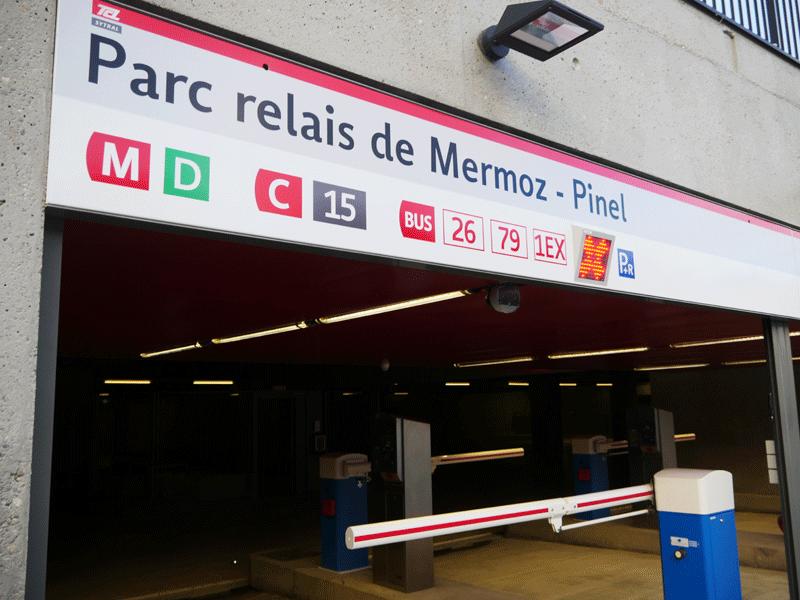 L'un des nombreux parc relais de Lyon afin que vous puissiez stationner votre véhicule en toute sécurité.